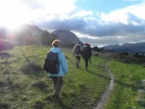 Caminant cap a Fartàritx del Racó amb el Tomir de cara.