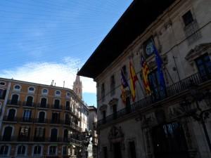 La plaça de Cort de Palma, inici i final de totes les rutes per les llegendes de la ciutat.