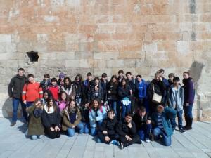Els alumnes de 1r d'ESO del Col·legi Sagrats Cors de Sóller, amb el seus mestres, Felip i Lluïsa.