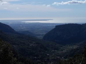 La badia de Palma i la costa de migjorn de Mallorca des del pla del Pouet.