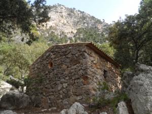 Una de les ermites velles que trobam a prop de l'ermita de la Trinitat de Valldemossa.