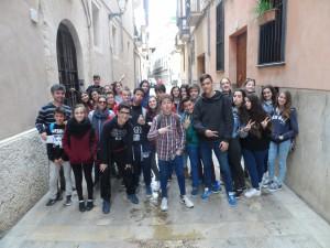 El segon grup en el carrer de Montision.