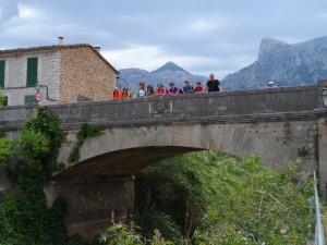 El pont de Barona antic se'l endugué una riuada el 1885; deu any més tard en feren un de nou.