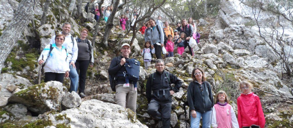 Baixant del cim de la Comuna de Valldemossa pel camí de les Voltes d'en Violí.